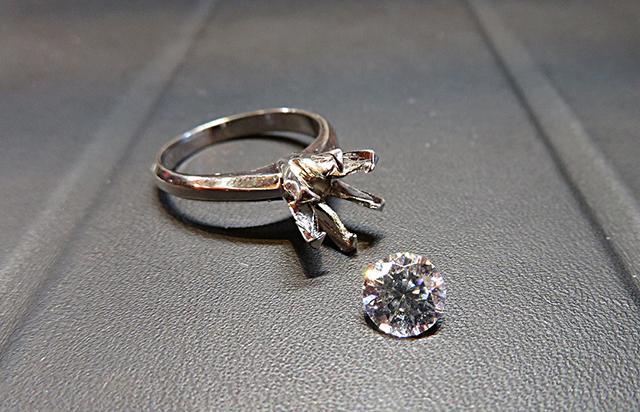 立爪婚約指輪をリフォーム